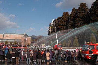 町の消防出初式